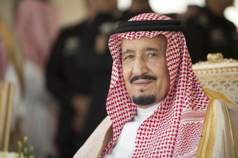 """أمير #مكة يكرم """"العيسى"""" بجائزة الاعتدال 2018 ويضع حجر الأساس لمعهد الفيصل"""