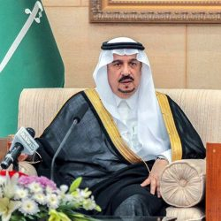 """أمير الرياض يسلم """"الفهيد"""" جائزة الملك عبدالعزيز للجودة"""