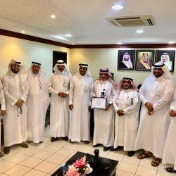 فريق اللجنة الوطنية لمكافحة التدخين يزور العيادات المتنقلة