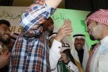 سيلفي للسفير السعودي بعمان مع أطباء الامتياز والمتفوقين لأصغر مصور بالأردن