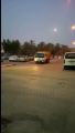 """بالفيديو .. مواطن يوثق عمال نظافة في قرية """" بني معن """" يعبثون بحاوية دون إفراغها"""