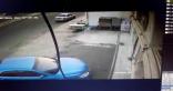 """بالفيديو .. """" جمس """" يقتحم صالون حلاقة بمكة .. والحصيلة وفاة 2 وإصابة 4"""