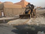 """بالفيديو والصور … اهالي حي """"سلطانة"""" بعيون #الاحساء تشتكي من طفح الصرف الصحي"""