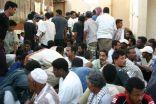 """بعض مساجد جدة تحولت الى """"فنادق"""" للعمالة المخالفة"""