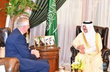 أمير الشرقية : يلتقي السفير الدنماركي لدى المملكة بديوان الامارة