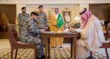 أمير القصيم يشهد توقيع شراكة بين السجون وإسمنت القصيم لتوظيف النزلاء