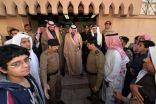 محافظ الأحساء يزور مصابي محاولة تفجير مسجد الرضا