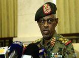 رئيس المجلس العسكري ونائبه يؤديان القسم أمام رئيس القضاء السوداني