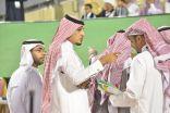 """بالصور .. الزميل """" أحمد الصايم """" يراقب مباريات دوري جميل"""