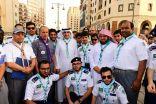 رئيس جمعية الكشافة يشارك رسل السلام  خدمتهم لزوار المسجد النبوي