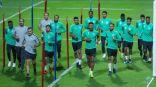 المنتخب الوطني يدشن تدريباته في أبوظبي استعدادًا لمواجهة قطر