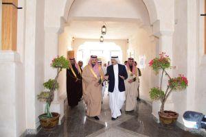 """محافظ #الاحساء يتفقد المراحل النهائية لإنجاز مشروع """"قلعة الحرفيين """""""