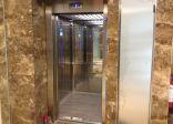 مدني الأحساء يحرر طفلاً علقت قدمه بمصعد في راشدية المبرز