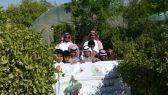 بالصور .. طلاب مدرسه حي النسيم بالعيون يزرون بلديتها 