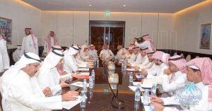 رئيس #هيئة_الرياضة  يجتمع برؤساء الأندية