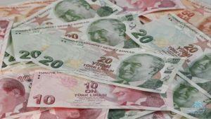 الليرة التركية بأدنى مستوى … ووزير المالية: نتعرض لهجوم